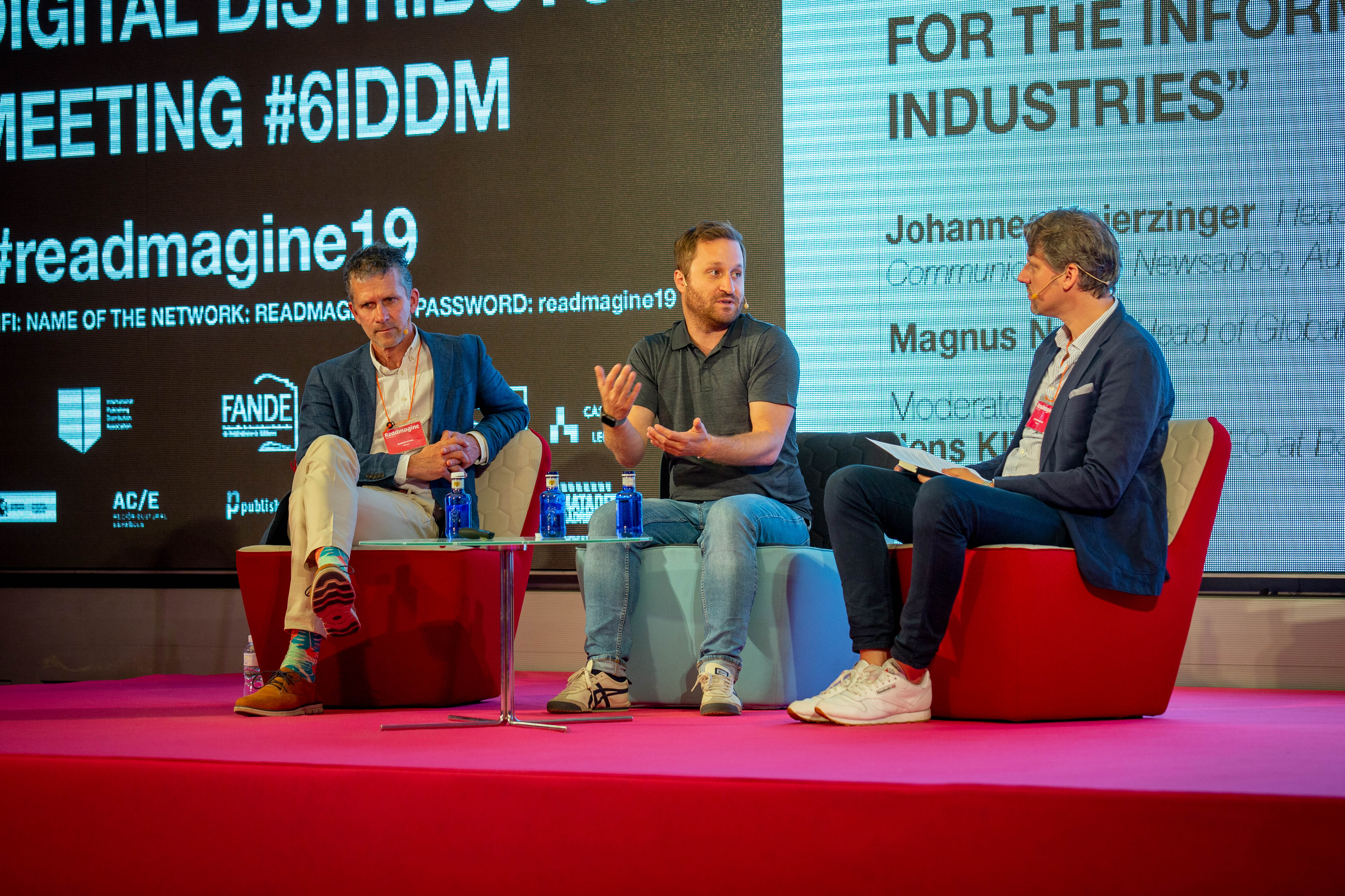Panel on subscriptions in media at readmagine conference Madrid 2019